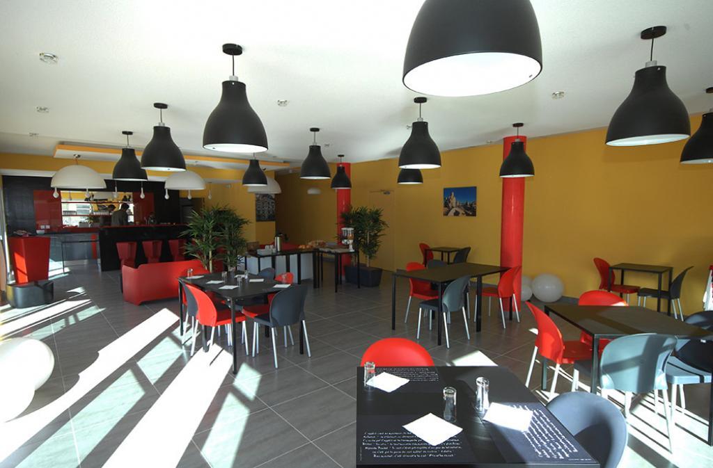 Slide restaurant