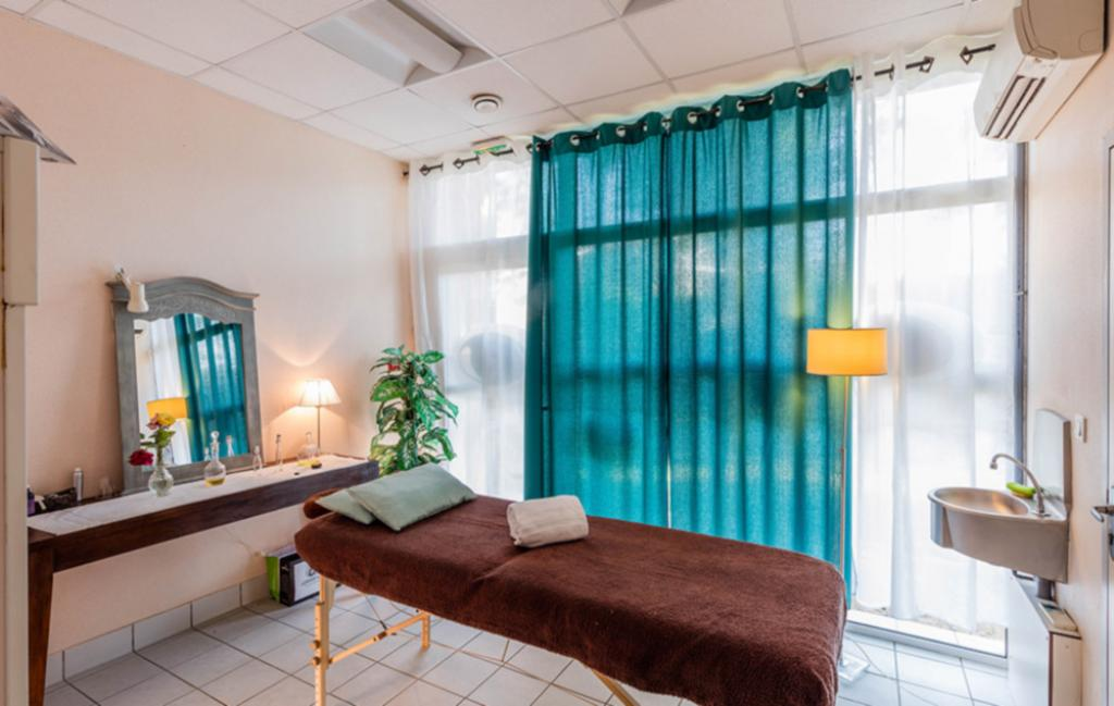 Slide l'espace soins et massages