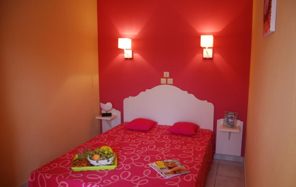 Slide une chambre avec lit double