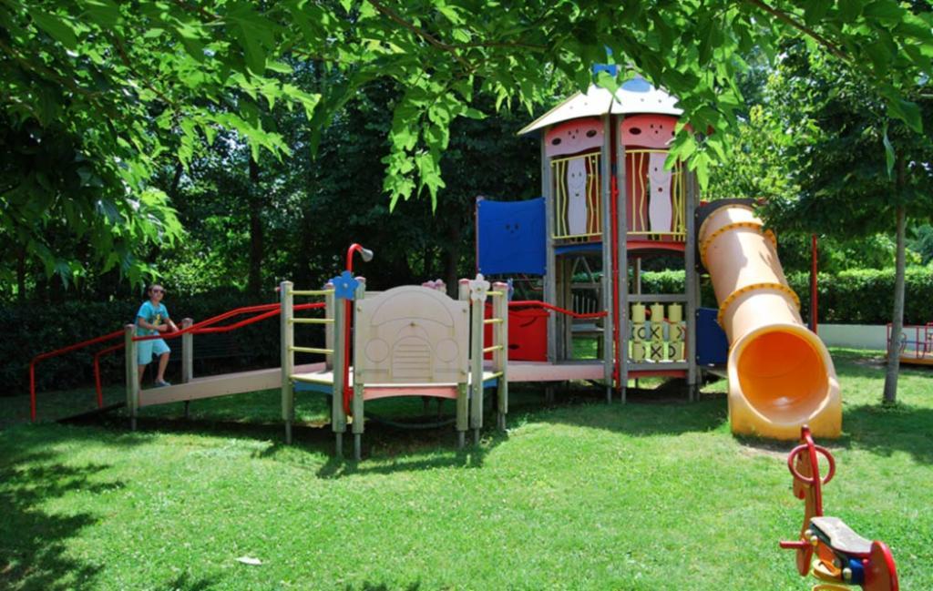 Slide aire de jeux pour enfants