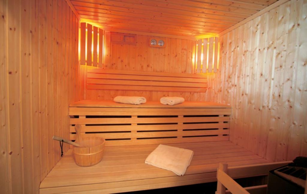 Slide le sauna de la résidence