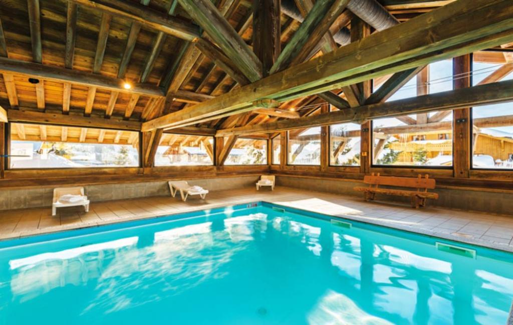 Slide la piscine couverte