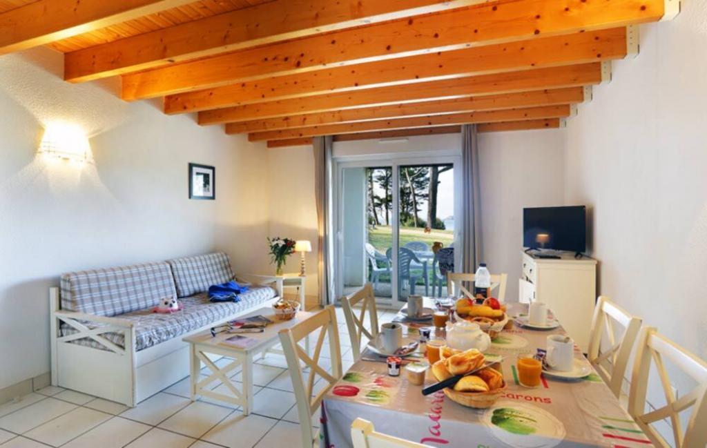 Slide Intérieur salon - résidence Iroise Armorique