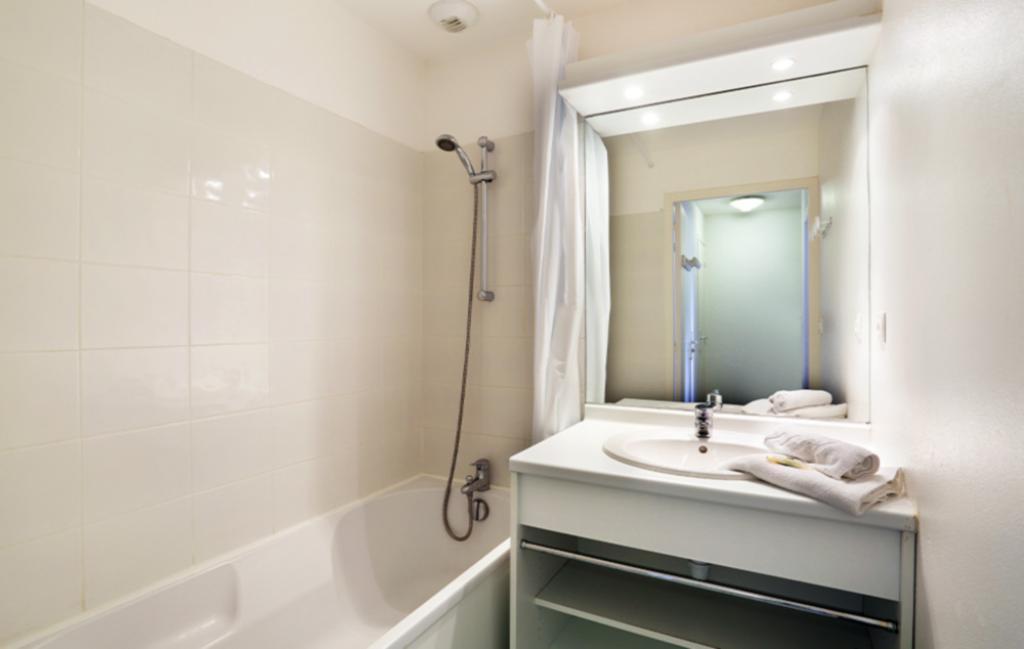Slide Salle de bain - Résidence Iroise Armorique