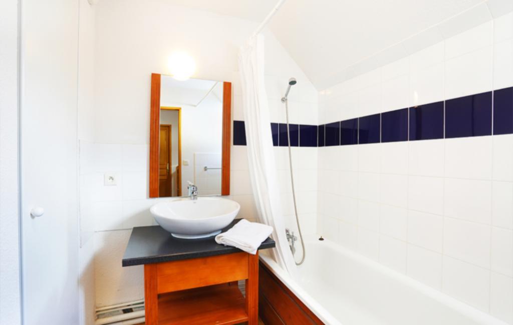 Slide Résidence le Hameau de Balestas - salle de bain