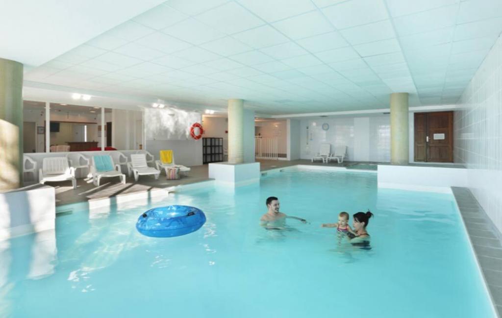 Slide Les chalets des Belvédère - piscine