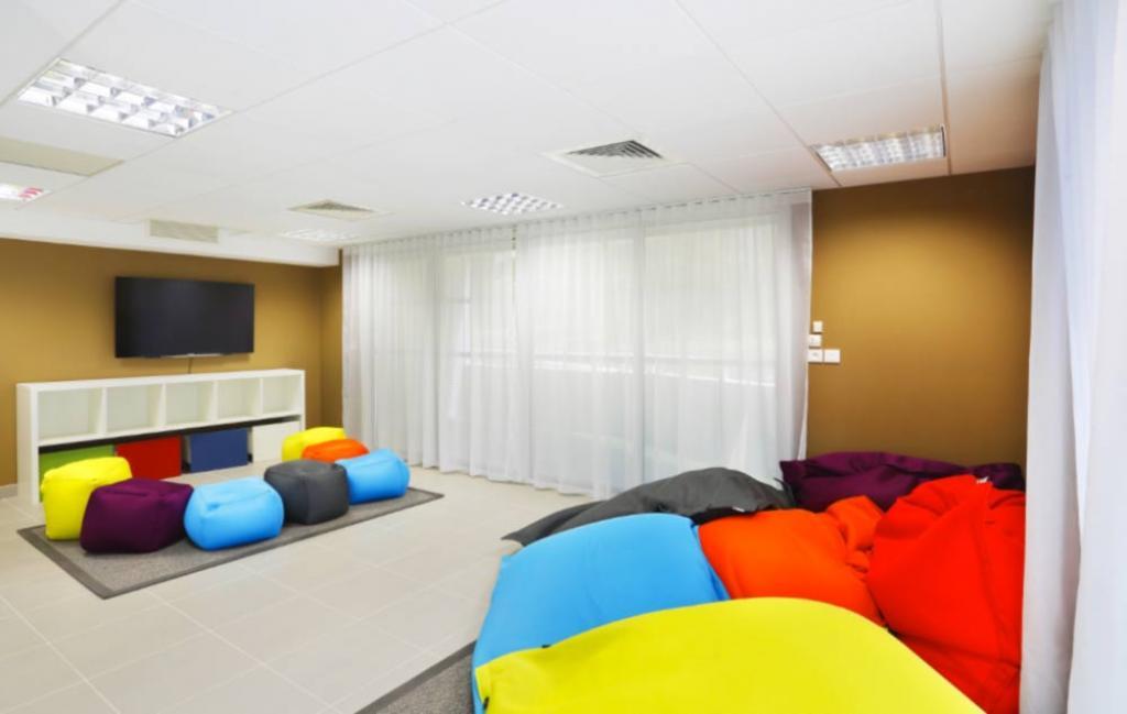 Slide Salle de repos - Cap Azur