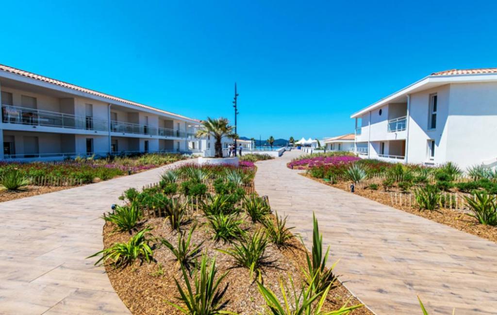 Slide Jardin résidence - Cap Azur