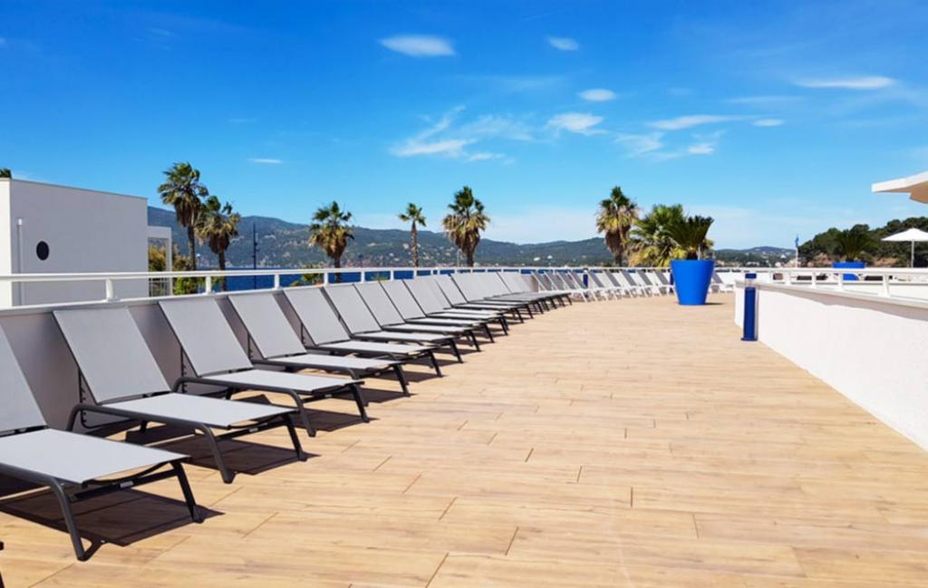Slide Espace piscine  - Cap Azur