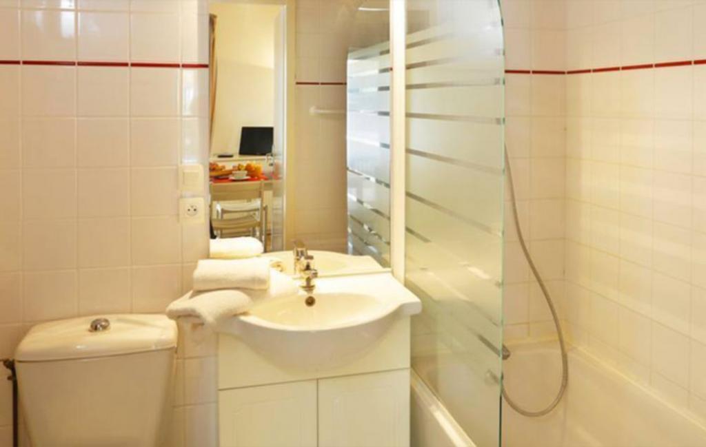 Slide la salle de bain