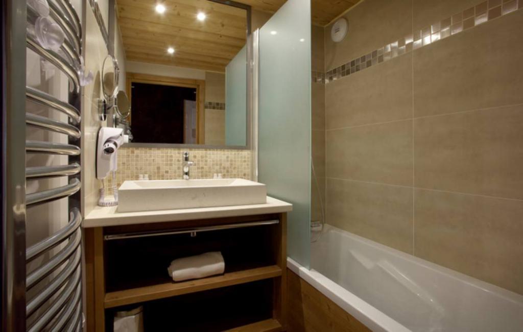 Slide salle de bain