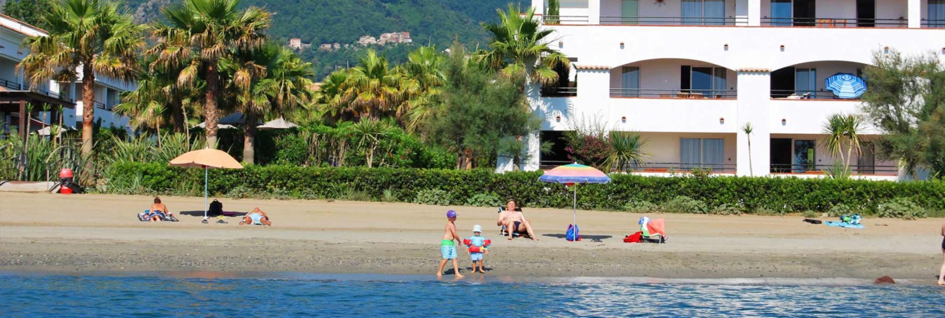 Slide la plage de la résidence