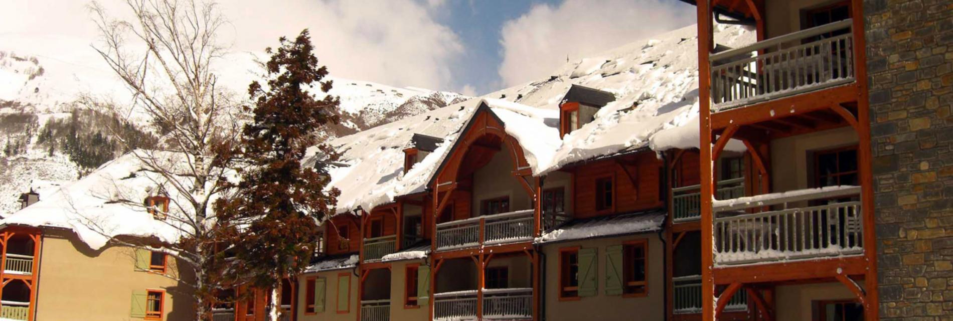 Slide Résidence Cami Réal - Saint-Lary Soulan sous la neige