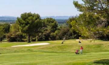 Provence Country Club****