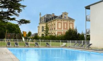 Le Domaine du Château***
